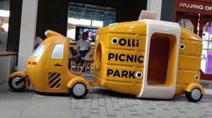 Resin Fiber Cartoon Character Statue Picnic Car Sculpture
