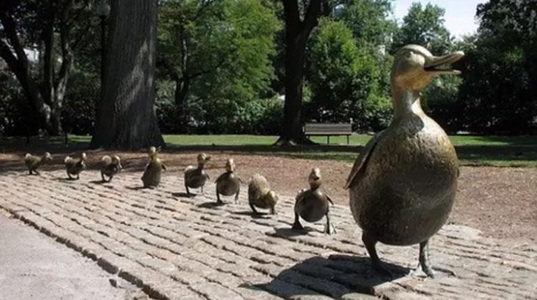 bonnie sculpture-Bronze Duck Family Sculpture770x430