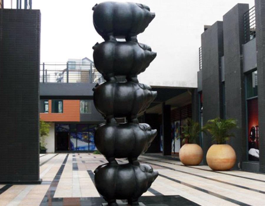bonnie sculpture-Bronze Pig Sculpture900x700