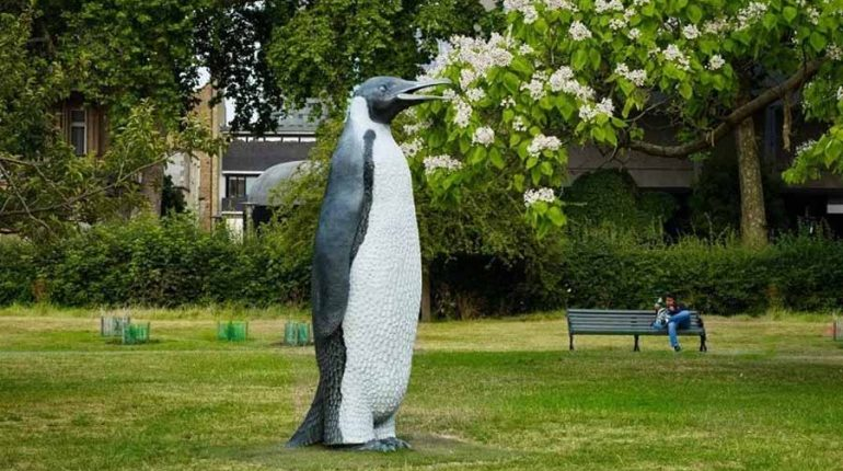 bonnie sculpture-Bronze&Resin Animal Sculpture Penguin Sculpture