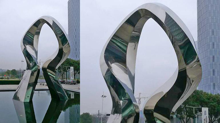 bonnie sculpture-Metal Sculpture Outdoor Stainless Steel Sculpture Hand Sculpture770x430