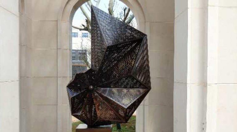 bonnie sculpture-Modern Metal Sculpture Wrought Copper Sculpture Space Sculpture900x700