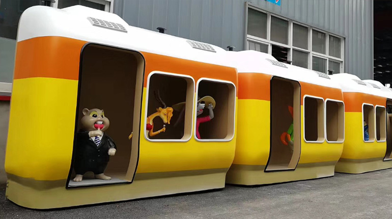 bonnie sculpture-Resin Fiber Cartoon Train Sculpture 770x430