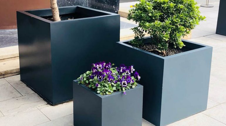bonnie sculpture-Stainless Steel Flower Pot1-900x700