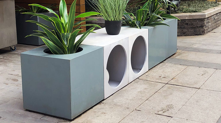 bonnie sculpture-Stainless Steel Flower Pot2-770x430