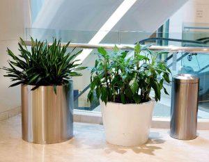 bonnie sculpture-Stainless Steel Flower Pot7-900x700