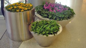bonnie sculpture-Stainless Steel Flower Pot8-770x430