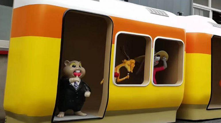 bonniesculpture-Resin Fiber Cartoon Train Sculpture